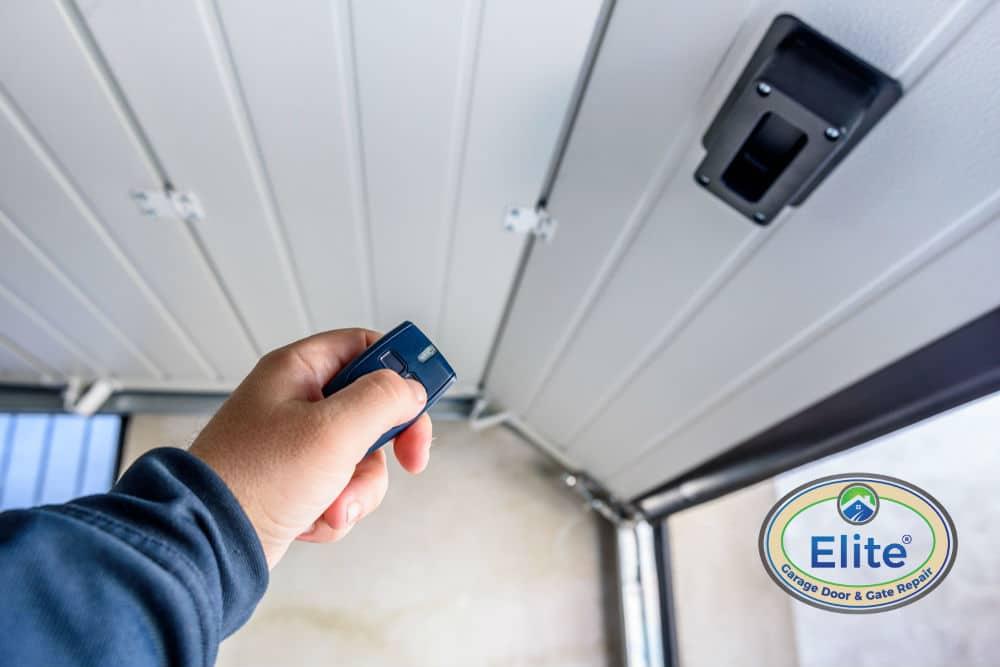 5 Reasons You Should Replace the Old Garage Door Opener