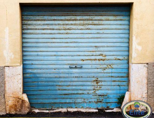 How to Refresh Your Old Garage Door?